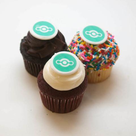 Cako Same Day Cupcake Delivery Custom Photo Cupcakes